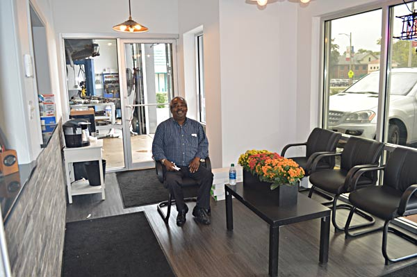 Carmax Extended Warranty >> auto-lab-libertyville-customer-waiting-area